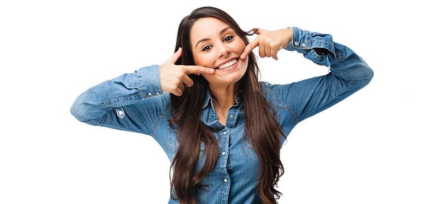 sorriso dopo apparecchio ortodontico